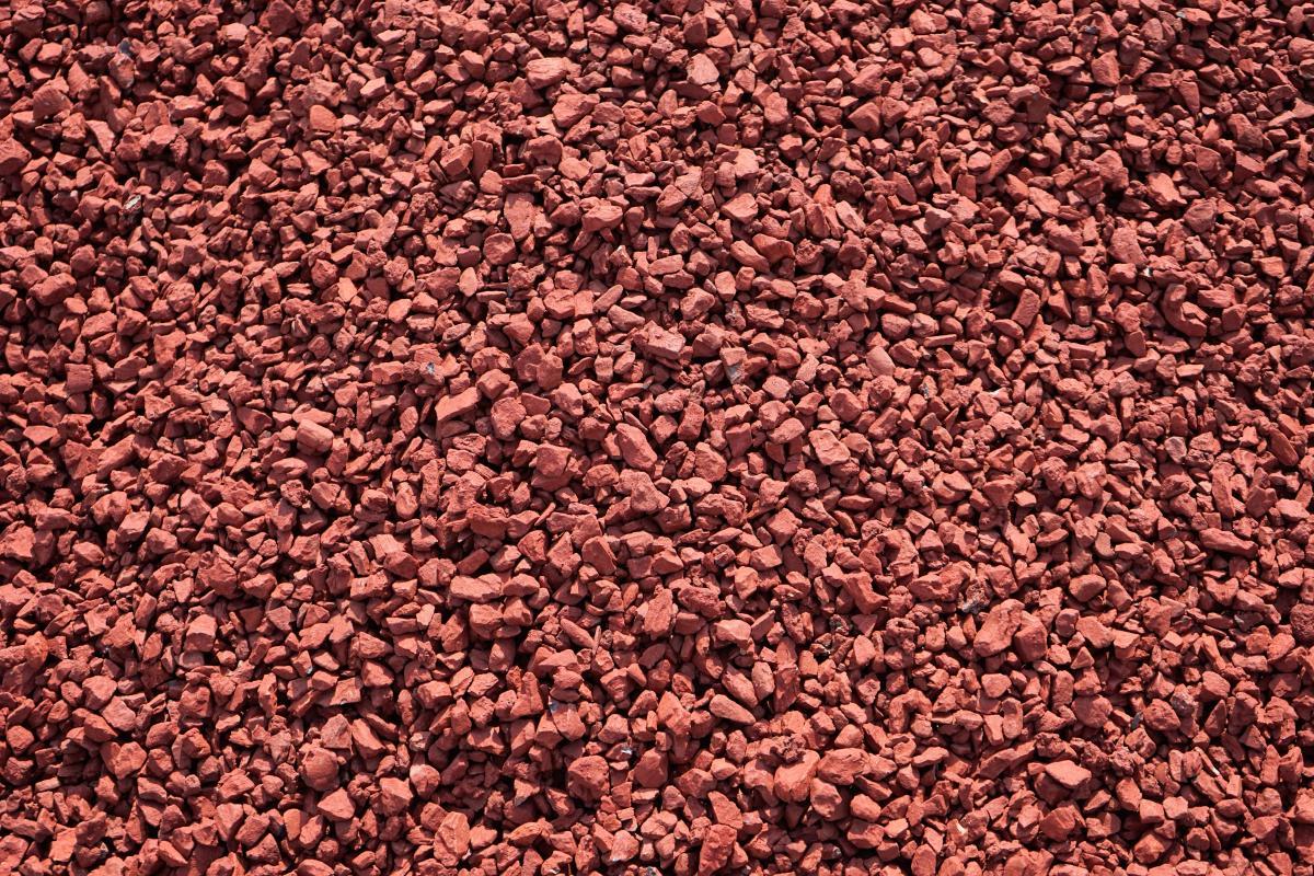 Red Granite Gravel : Sedona red decorative stone niemeyer s